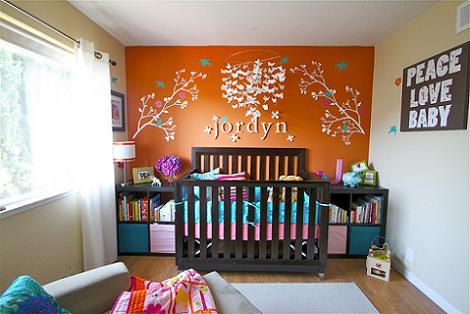 Habitación de bebé naranja