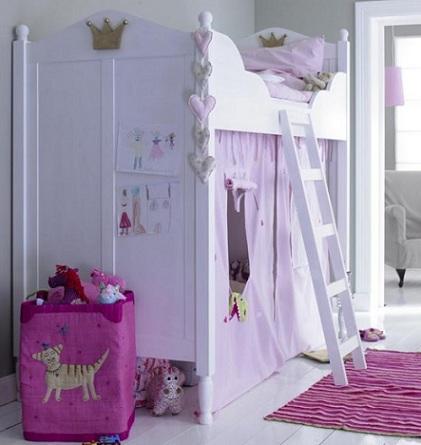 camas princesas escalera