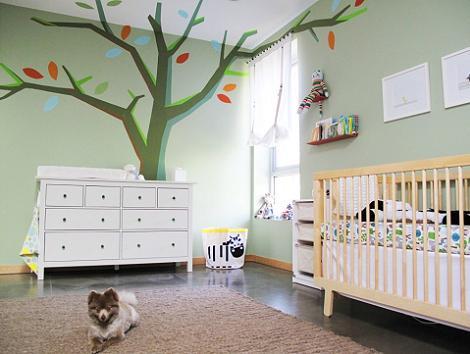 Habitación de bebé árbol