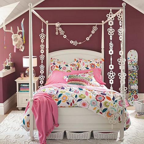 Habitación rosa para joven