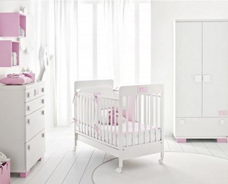 habitacion bebe blanca rosa
