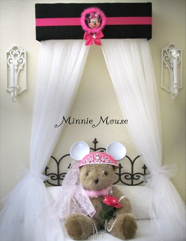 habitacion minnie mouse cama