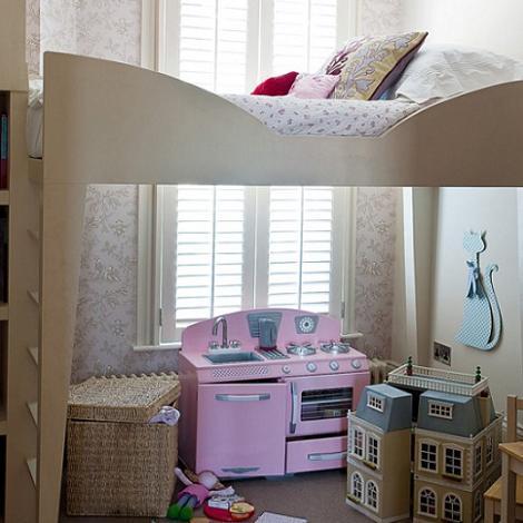 Habitación cama alta