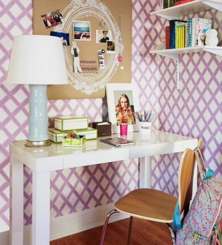 Mesa dormitorio chica