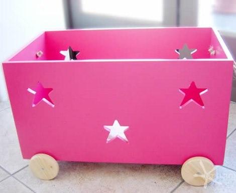 baúles de madera rosa