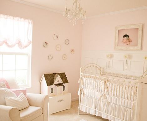 habitación bebé rosa clásica