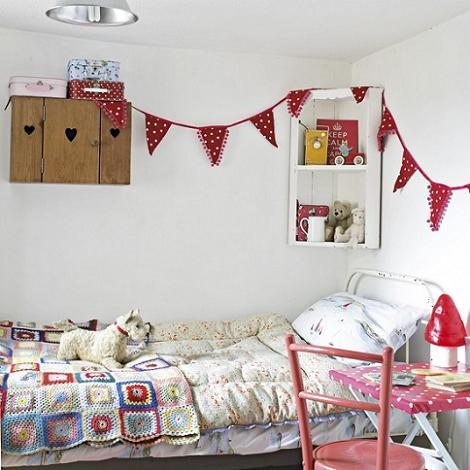 Habitación rústica para niña