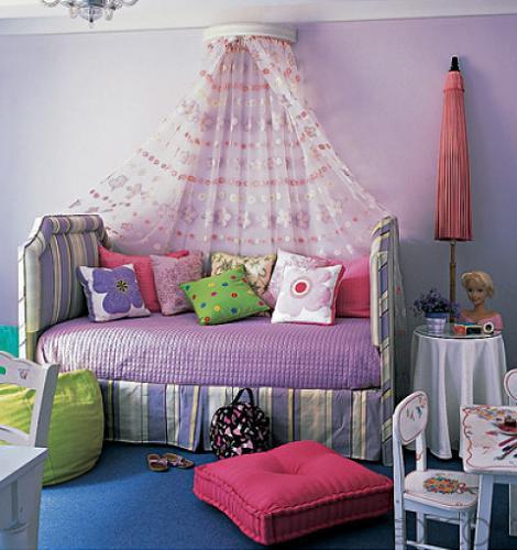 Dormitorio de niña lila