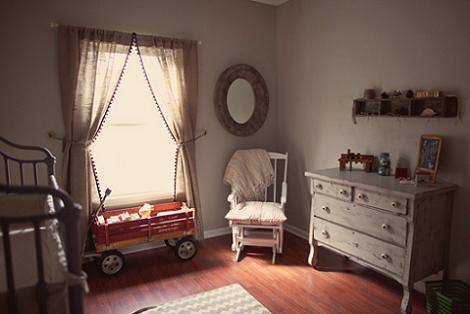 Habitación del bebé rústica