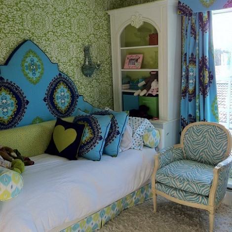 Dormitorio de chica pequeño