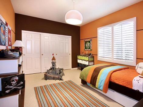 Dormitorio de niño naranja