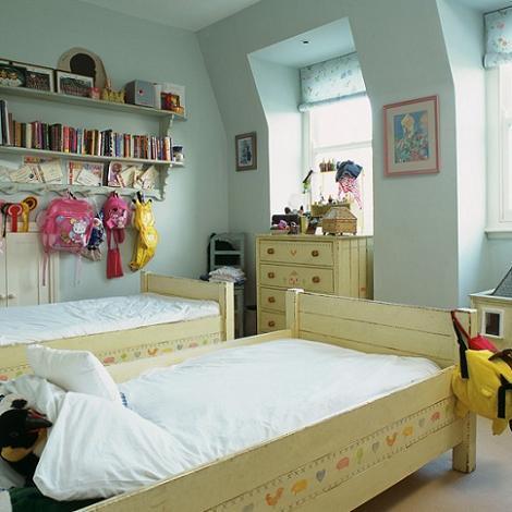 Dormitorio azul para dos niñas