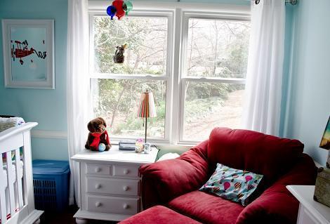 Habitación bebé con globos